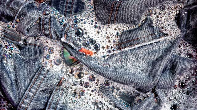 Blue Jeans verschmutzen